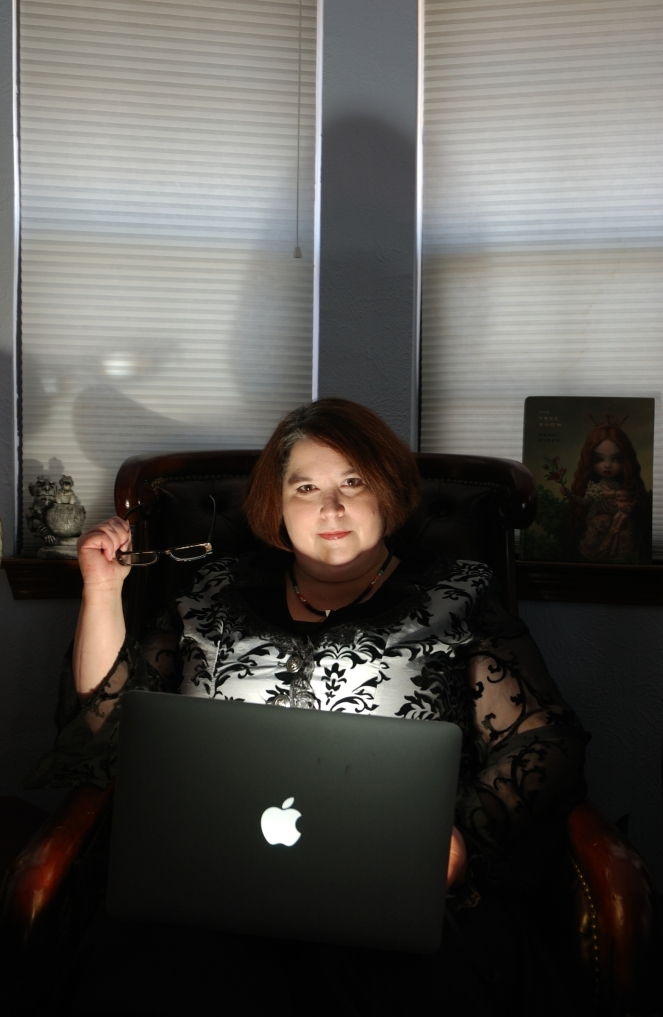 rachelcaine_office_portrait_lg